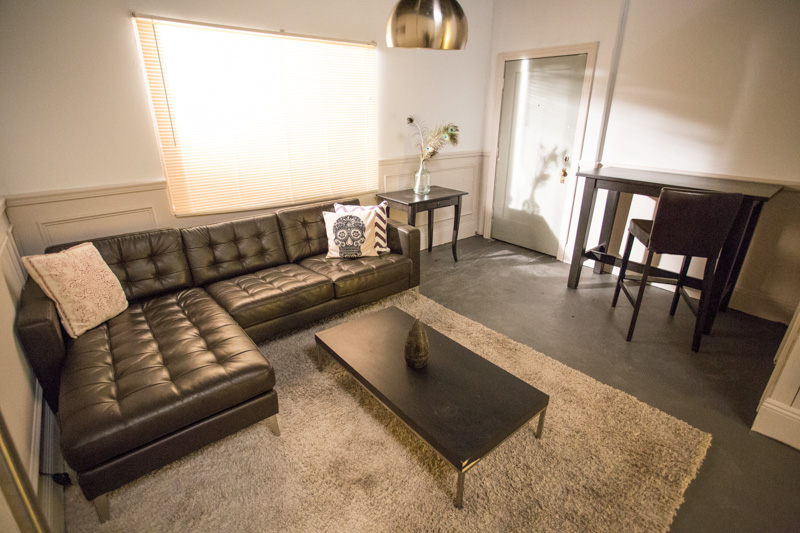 apartment standing set in los angeles