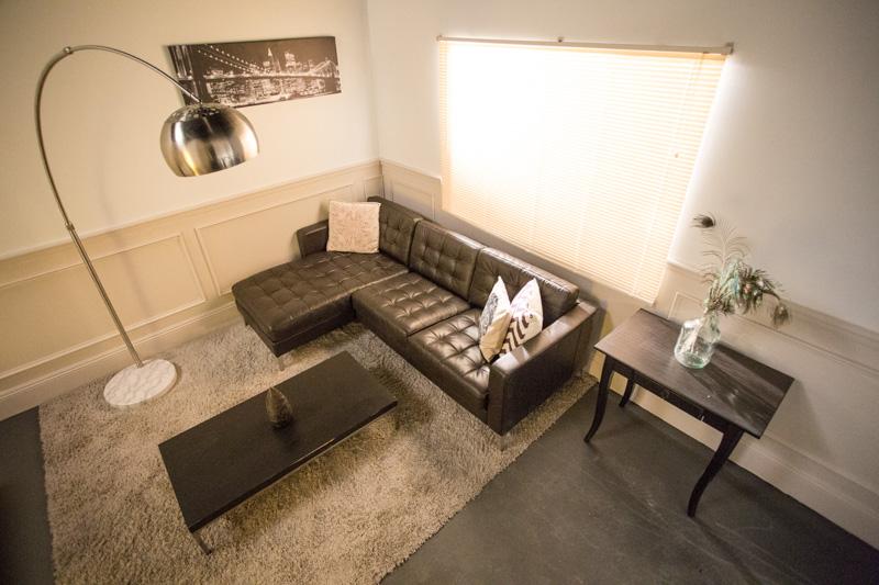 apartment standing set in la
